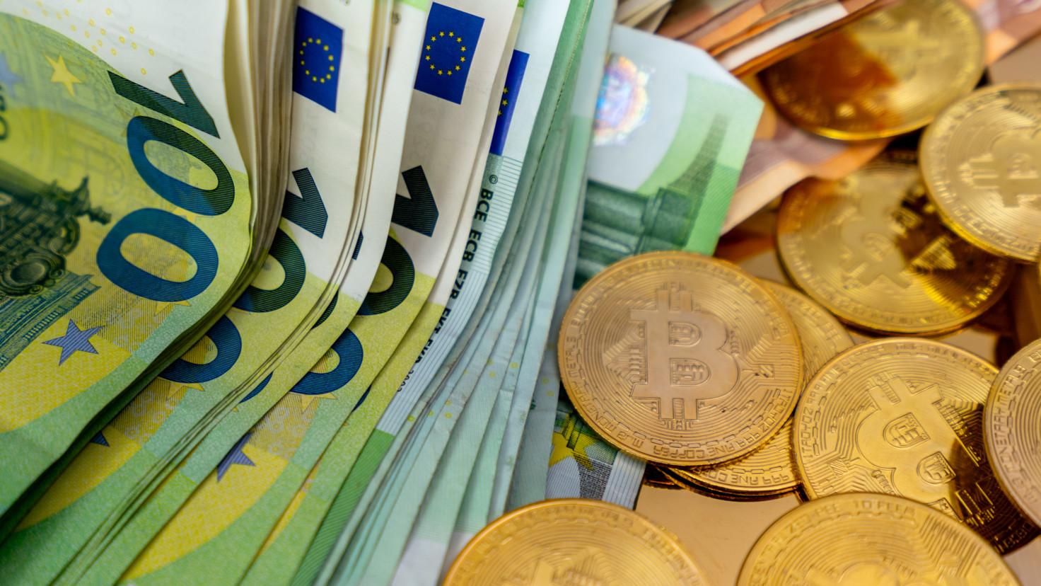 euros and bitcoins monnets